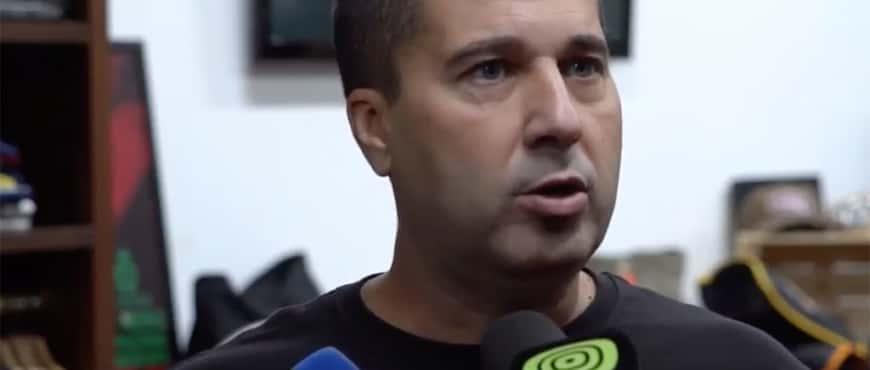 Francisco Alí Manén holding a press conference