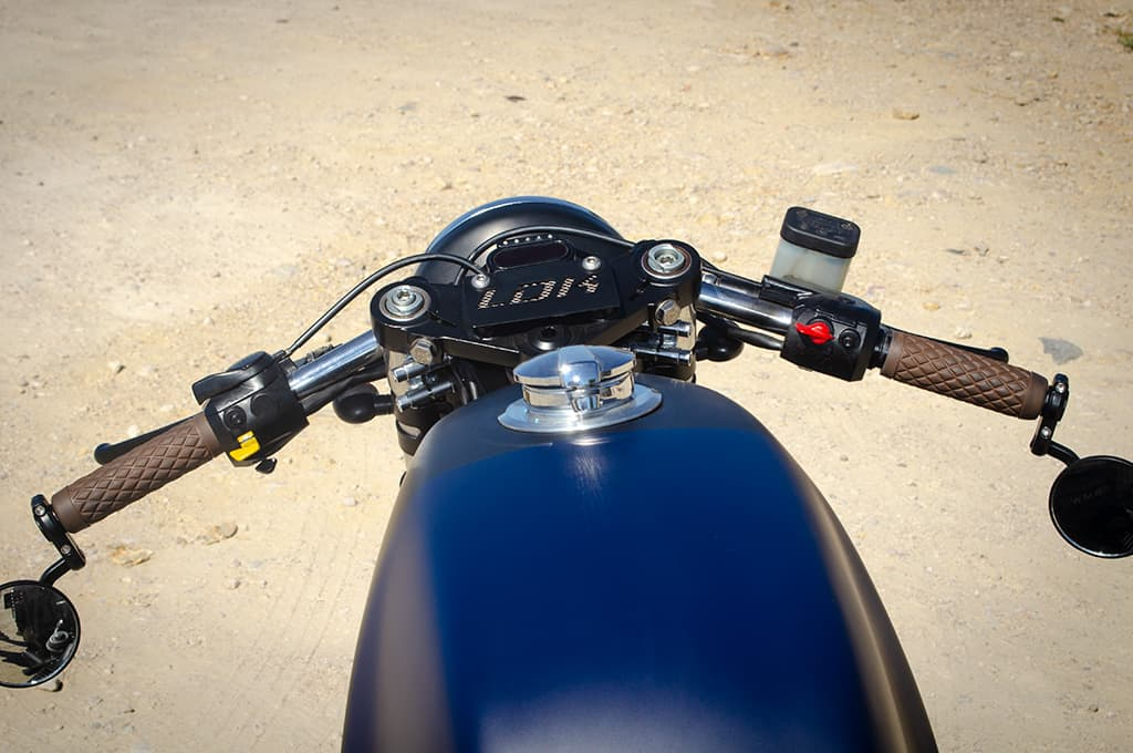 """BMW R65 Cafe Racer """"Blue"""" by Lord Drake Kustoms showing the handlebars in detail"""