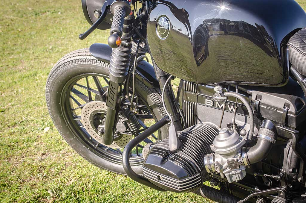 BMW R100 Cafe Racer Black engine detail