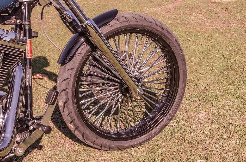 Softail Deuce Bobber front wheel