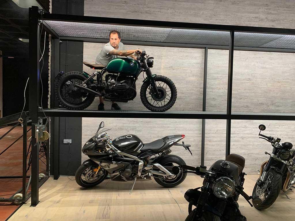Fran Manen at his next cafe racer workshop in Madrid