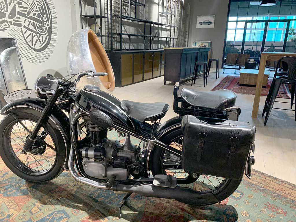 Classic motorcycle in the new LDK workshop in Madrid