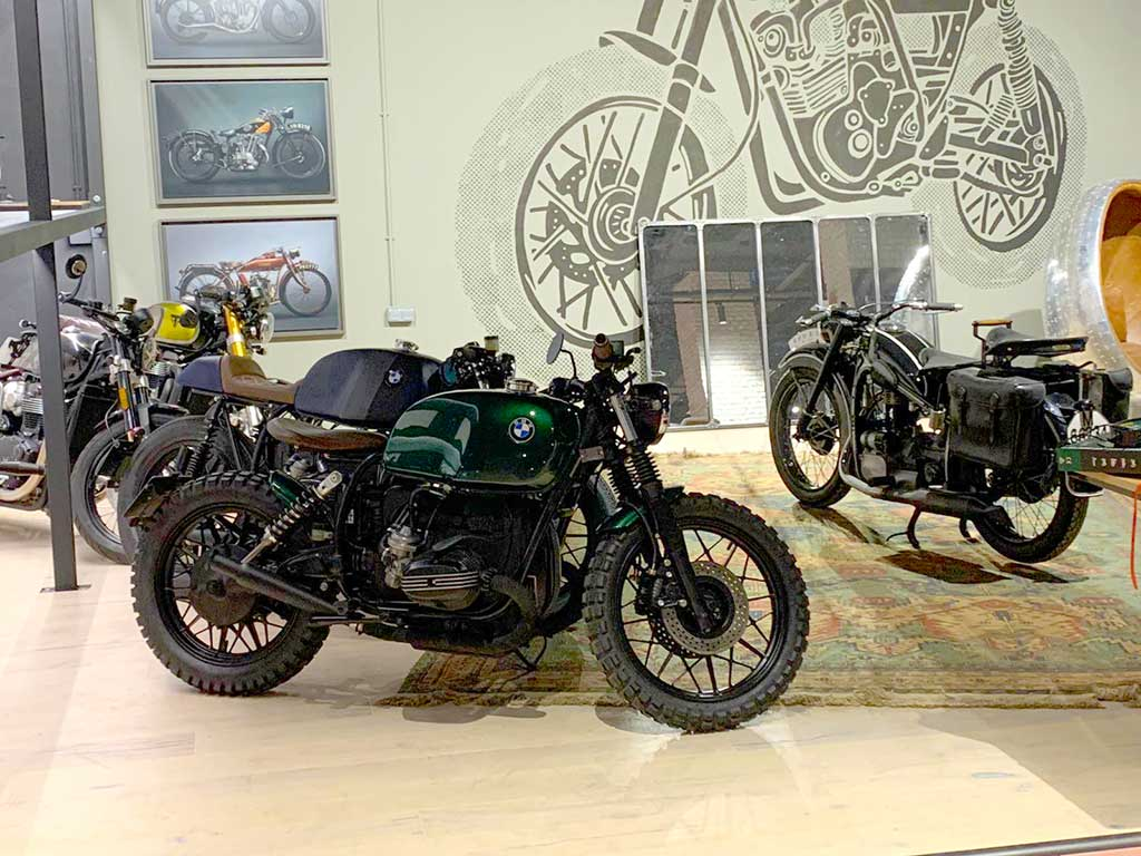 Cafer racer motorcycles in Madrid at Lord Drake Kustoms workshop