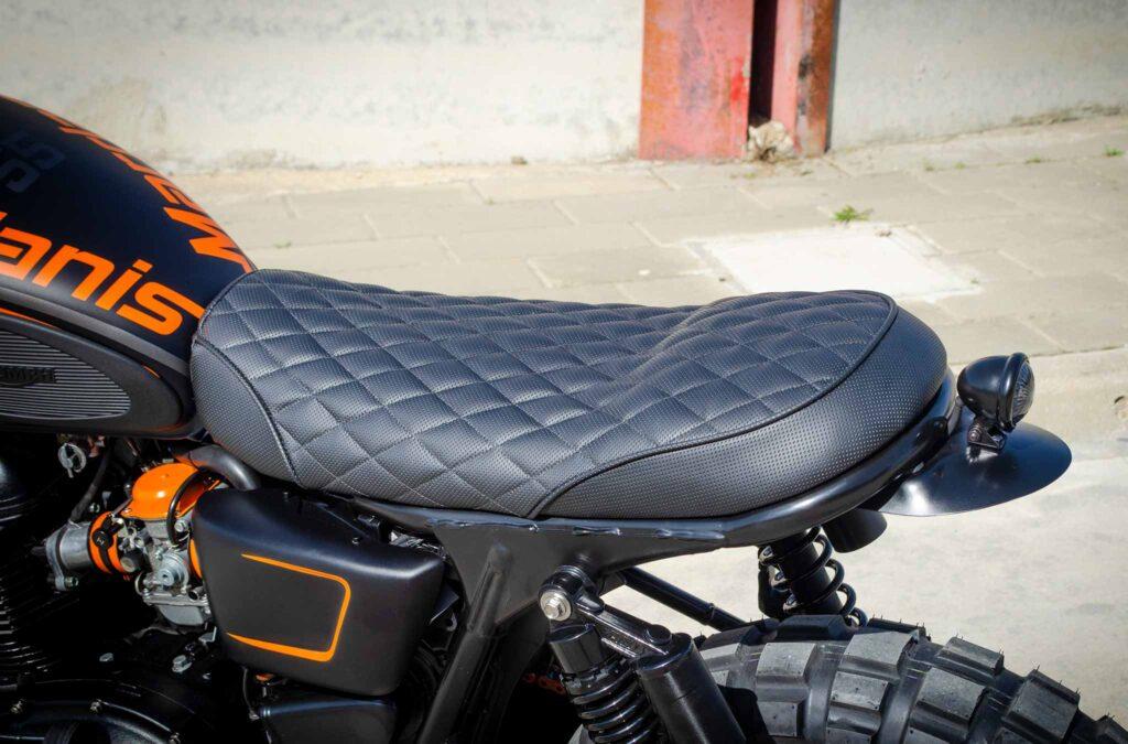 Triumph Mardanis seat detail