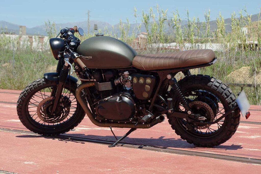 """Triumph Bonneville T100 """"Army"""" on its left side view."""