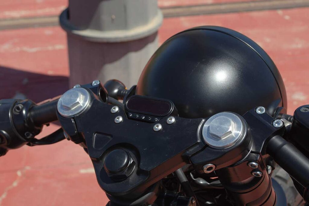 """Motogadget odometer on the Triumph Bonneville T100 """"Army"""" customized by LDK"""