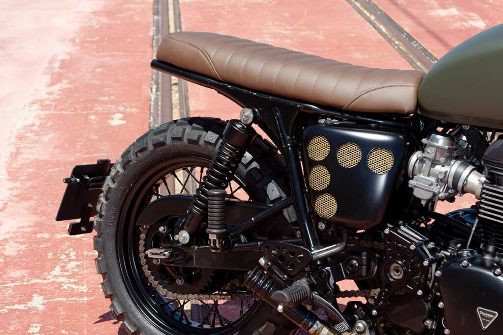 """Detail of the subframe of the Triumph Bonneville T100 """"Army"""" customized by LDK"""