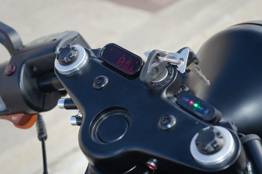 Motogadget digital odometer detail