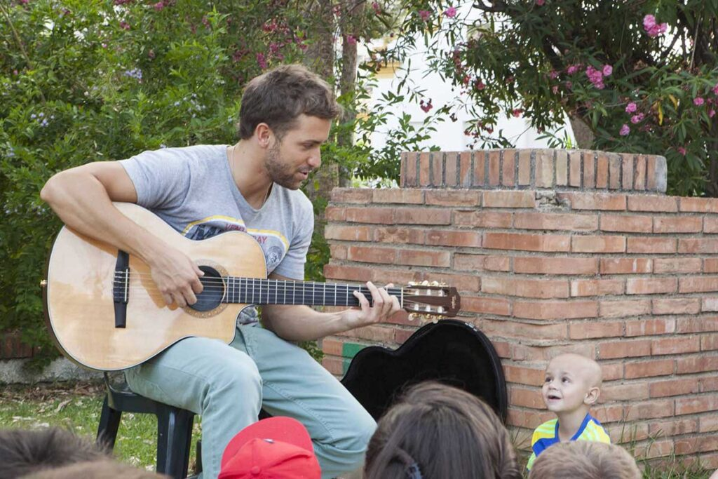Pablo Alborán is a sponsor of the Olivares Foundation