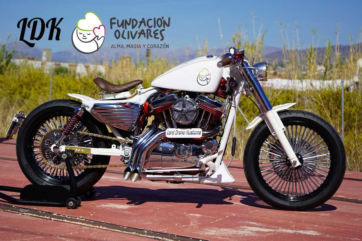 Sorteo moto de Lord Drake Kustoms y Fundación Olivares